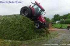 une conducteur de tracteur complètement fouune conducteur de tracteur complètement fou